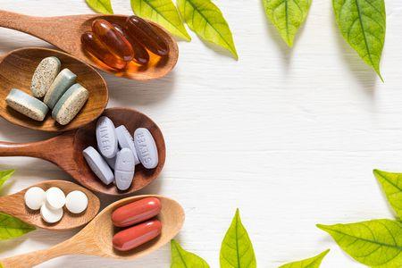 الفيتامينات و المكملات الغذائية