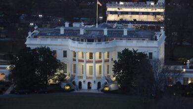 البيت الأبيض ينقي الهواء