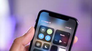كيفية إظهار النسبة المئوية للبطارية على جهاز iPhone